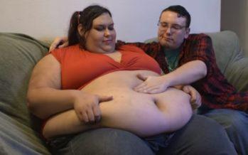 MASENDAV! Monica Riley soovib saada maailma kogukaimaks naiseks. Poiss-sõber toidab teda voolikuga. FOTO+VIDEO!