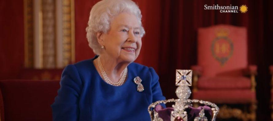Lugu sellest, kuidas 21. sajandi kuninganna Elizabeth II sotsiaalmeedia alates Twitterist Instagramini omaks võttis