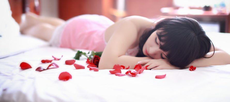 13 nõuannet meeste poolt naistele, et voodielu kirkam oleks