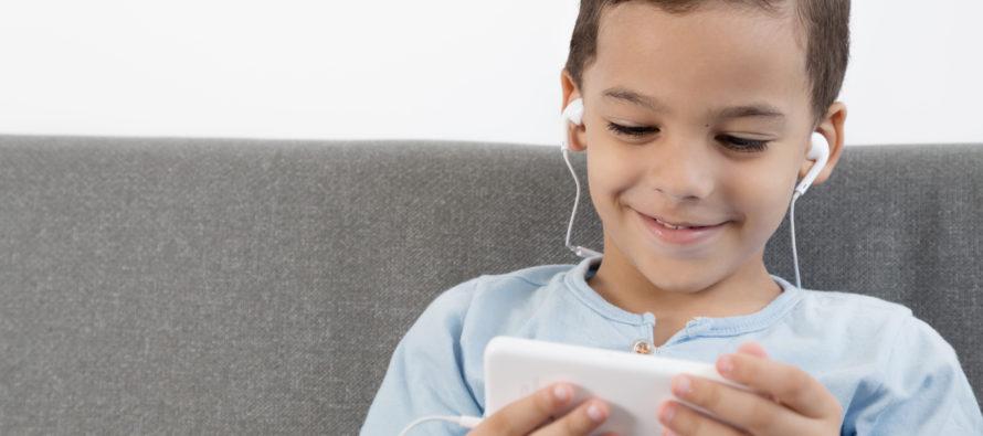 Lugejad räägivad hingelt ära: Nutitelefonid ja tahvelarvutid röövivad lastelt vanemad