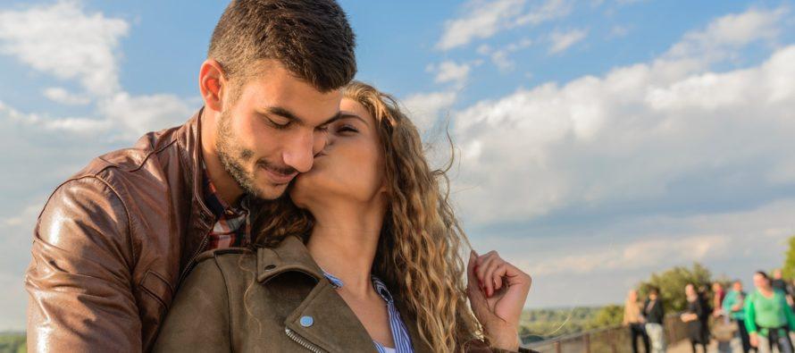 """7 PALJU TÄHTSAMAT lauset, kui """"ma armastan sind"""""""