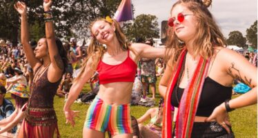 Goldenvoice: Californias peetav iga aastane Coachella muusikafestival lükkub koroonaviiruse leviku tõttu edasi