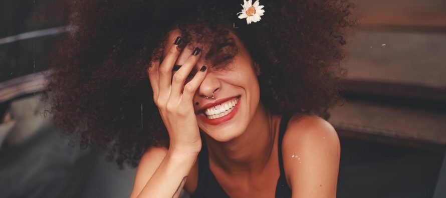 6 NÕUANNET, kuidas masendunud ja negatiivsete inimeste kõrval ise rõõmsaks jääda