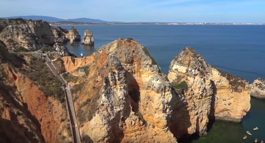 portugal-beach-youtube-ohmygossip-1