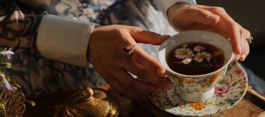 SELLEL PÕHJUSEL ei tohiks naised sõrmust pöidlas kanda