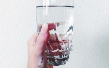 Mis juhtub, kui juua vett meega?